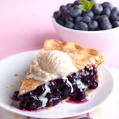 blueberry pie food styling