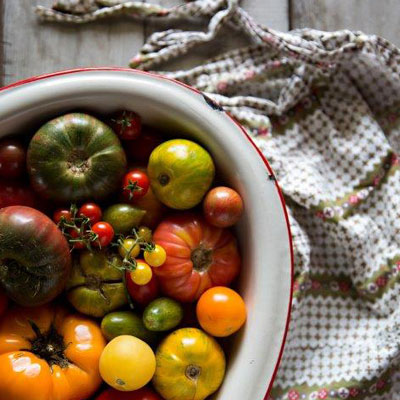 tomatoe food styling